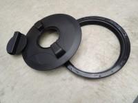 plastový kryt s otvorom 355 mm skrutkovací s revíznym otvorom 140 mm.