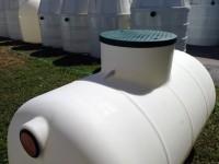 horizontálna podzemná plastová nádrž vyrobená z prvotriedneho polyetylénu...